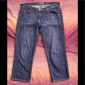 Hudson Signature Flap Capri Jeans